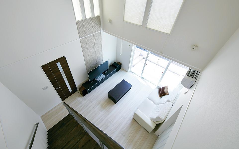 大きな吹き抜けでも暖かい、想像以上に快適な家。